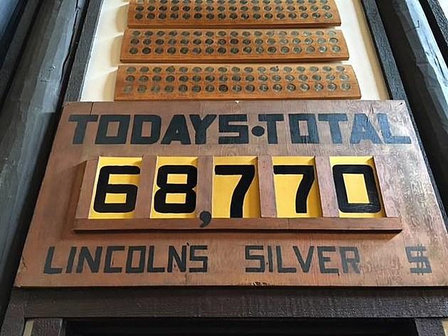 www.facebook.com/Lincolns-50000-Silver-Dollar-Bar-246248092089559/